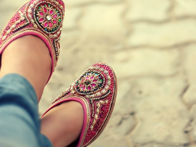 wardrobe-essentials-for-indian-brides-ethnic-flats