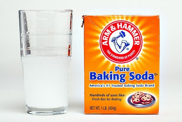 best-beauty-hacks-using-baking-soda-baking-soda-as-mouthwash