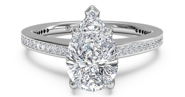 best-engagment-rings-for-brides-pear-shaped-diamond-ring-3