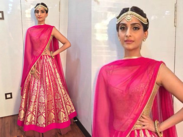 best-ethnic-looks-of-sonam-kapoor-in-lehenga
