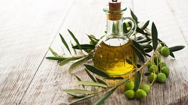 best-hair-oil-for-hair-growth-olive-oil