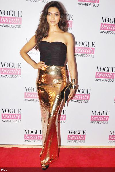 Deepika-Padukone-during-Vogue-Beauty-Awards-2012