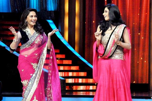 Madhuri-Sridevi-dancing-on-jhalakfinale