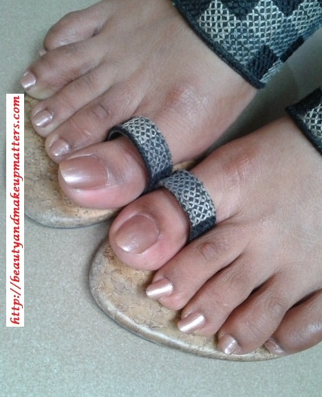 ColorBar-Nail-Lacquer-Exclusive-22-Look