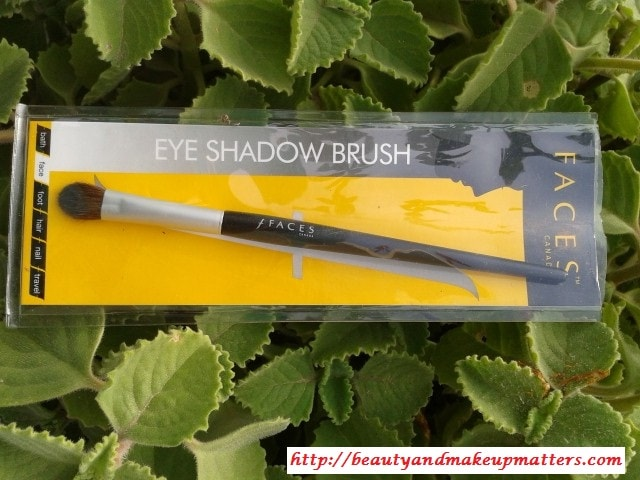 Faces-Canada-Eyeshadow-Brush-Review