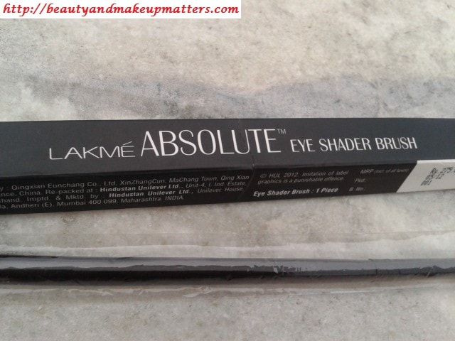 Lakme-Absolute-Eye-shader-Brush