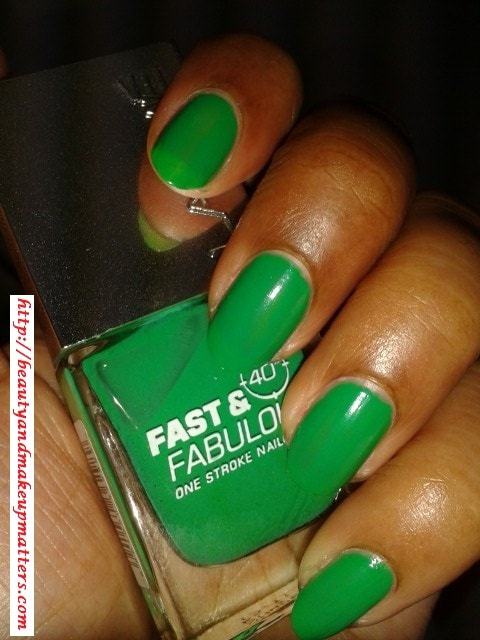 Lakme-Fast-and-Fabulous-Nail-Paint-Going-Green-Nail-Look