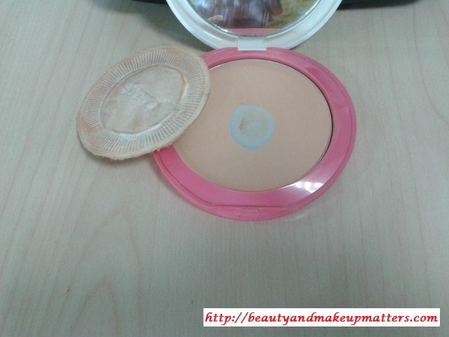 Lakme-Perfect-Radiance-Compact-Rose-Medium