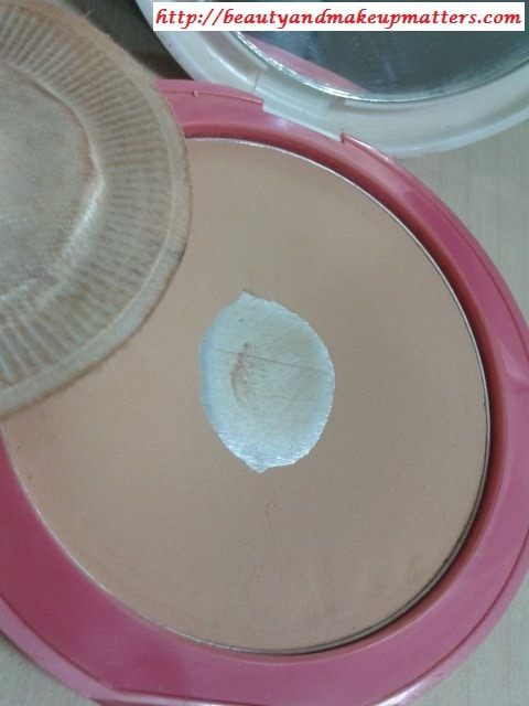 Lakme-Perfect-Radiance-skin-Lightening-Compact-Rose-Medium-Review