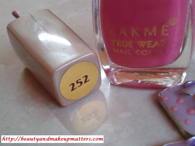 Lakme-True-Wear-Nail-Color-252-Review