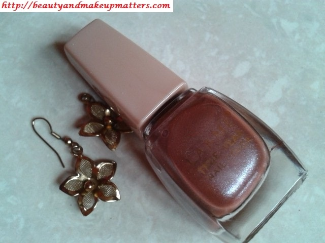 Lakme-True-Wear-Nail-Color-Sabhyachi-1-Review