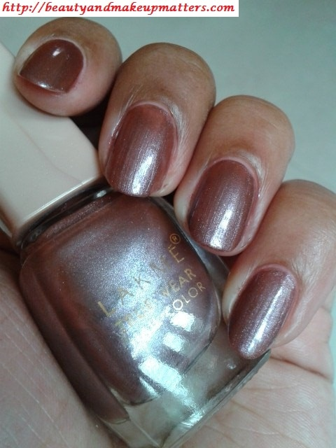 Lakme-True-Wear-Nail-Color-Sabhyachi-Nail-Swatch