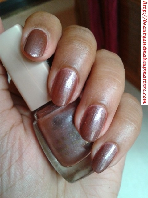 Lakme-True-Wear-Nail-Polish-Sabhyachi-NOTD