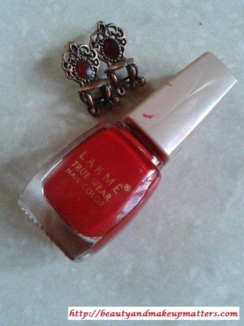 Lakme-True-Wear-Siren-Red-Nail-Paint
