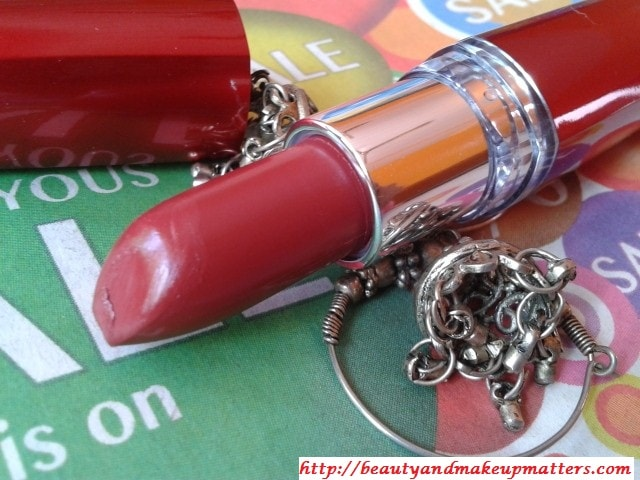 Maybelline-Moisture-Extreme-Cranberry-Lipstick