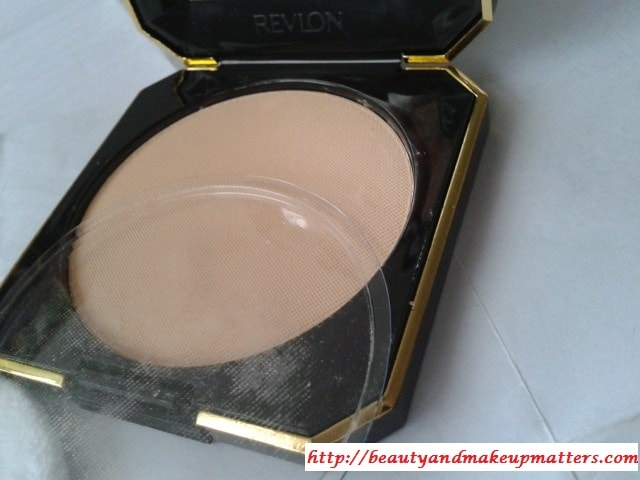 Revlon-Touch-and-Glow-Moisturizing-Powder-Gold-Matte