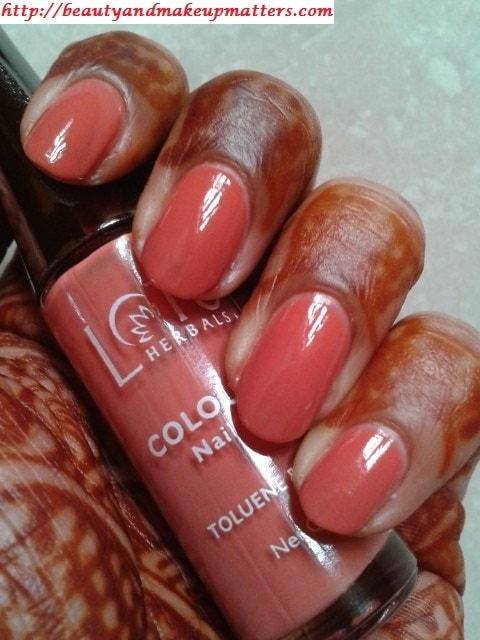 Lotus-Nail-Enamel-Peach-Perfect-NOTD