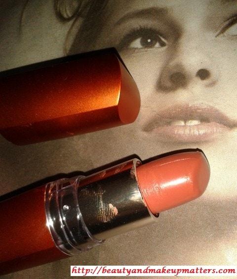 Maybelline-Moisture-Extreme-Lipstick-Bronze Orange-Review