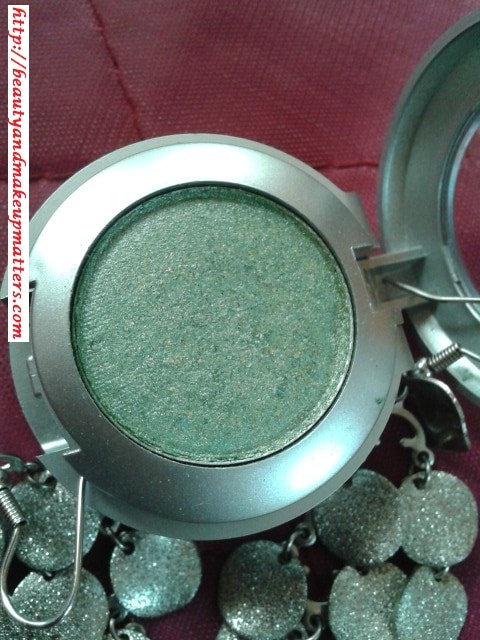 Colorbar-Single-Eye-Shadow-Spearmint-14-Review