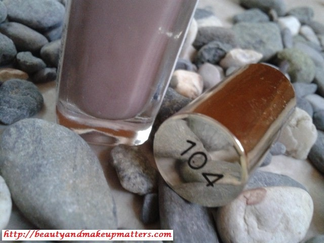 L'Oreal-Color-Riche-Nail-Enamel-Beige-Countless