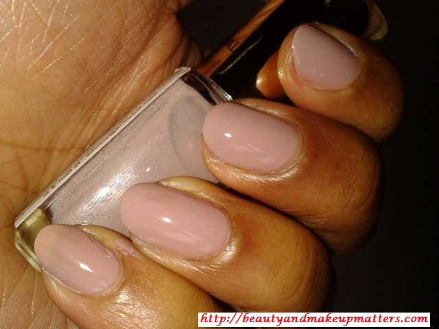 L'Oreal-Color-Riche-Nail-Paint-Beige-Countless-Nail-Swatch