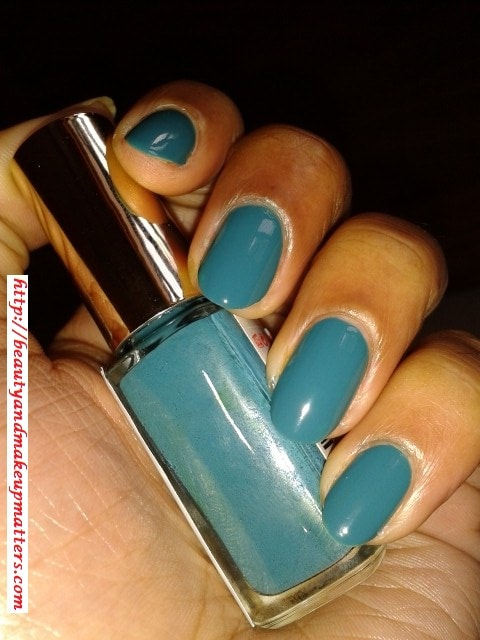 L'Oreal-Color-Riche-Nail-Paint-Blue-Reef-613-NOTD