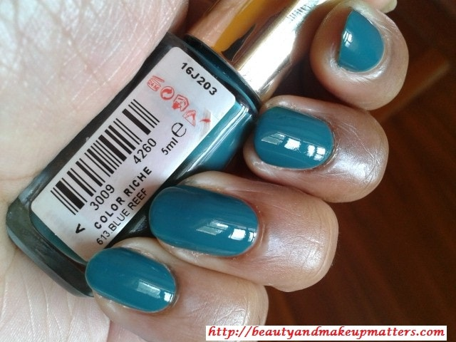 L'Oreal-Color-Riche-Nail-Paint-Blue-Reef-Nail-Swatch