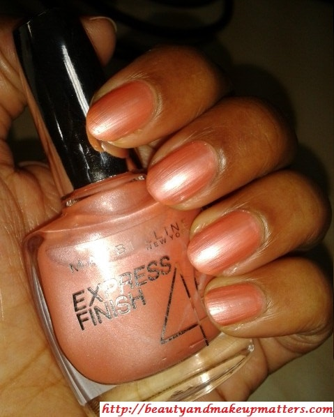Maybelline-Express-Finish-Nail-Enamel-Pearly-Pastel-Swatch