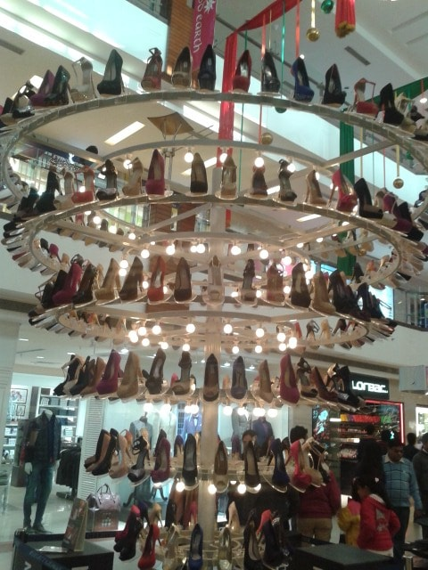 Steve-Madden-chandelier-of-Shoes