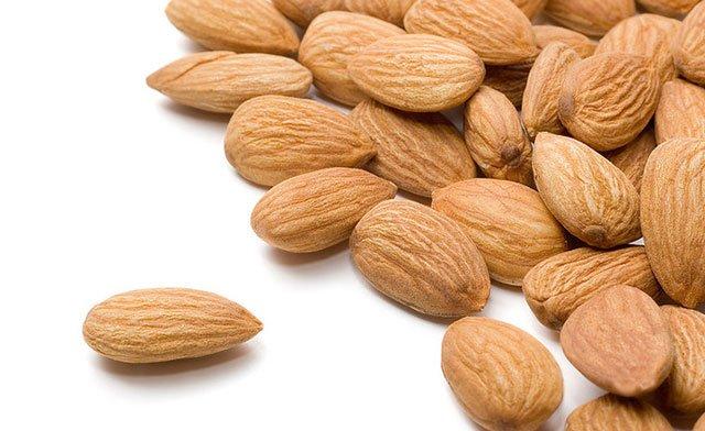 almonds-Eye-Pack-to-reduce-under-eye-dark-circles