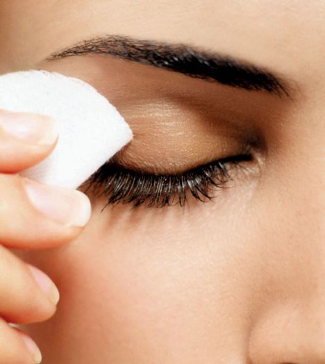 SkinCareTip-ForLongEyeLashes-GentlyRemove-eye-make-up-remover