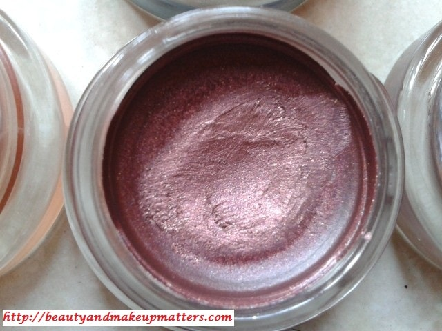 Swatch-Maybelline-Color-Tattoo-Eye-Shadow-Pomegranate-Punk