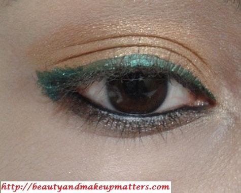 Golden-EyeShadow-With-ForestGreen