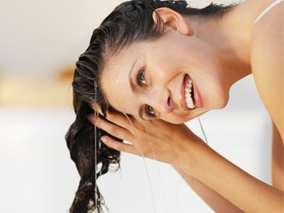 Tips-To-Protect-Hair-In-Winters-LukeWarmWaterWash