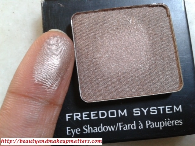 Inglot-Freedom-System-Eye-Shadow-402-Pearl-Swatch