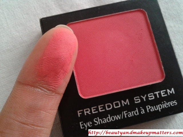 Inglot-Freedom-System-Eye-Shadow-Matte-382-Swatch