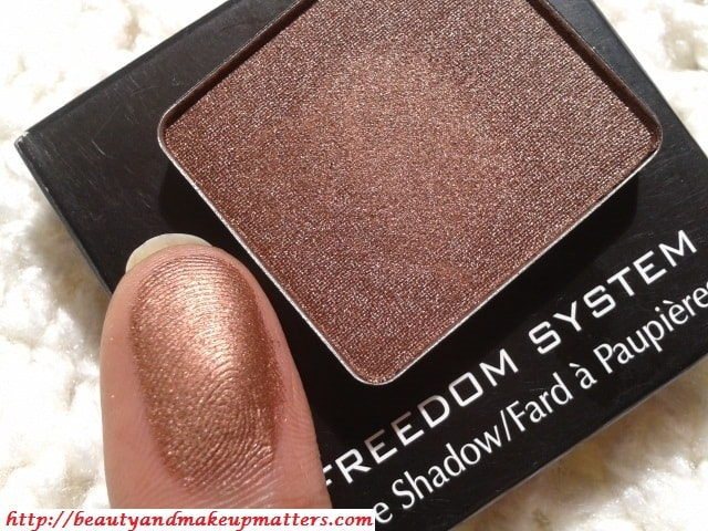 Inglot-Freedom-System-Eye-Shadow-Pearl-421-Swatch