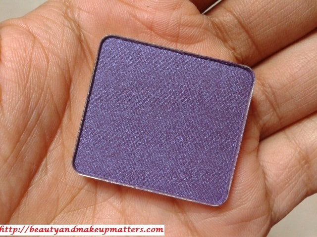 Inglot-Freedom-System-Pearl-Eye-Shadow-439-Review