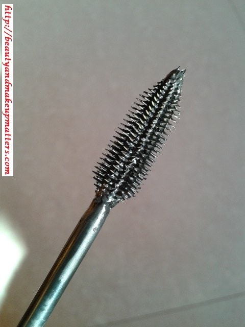 L'Oreal-Volume-Million-Lashes-Mascara-Wand