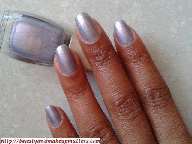Lakme-NailEnamel-Freespirit-D230-Sabhyachi-Nails