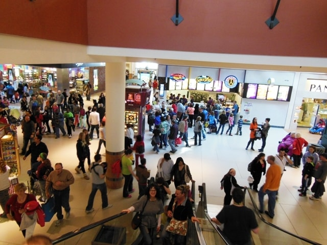 Crowd@Mall Of America