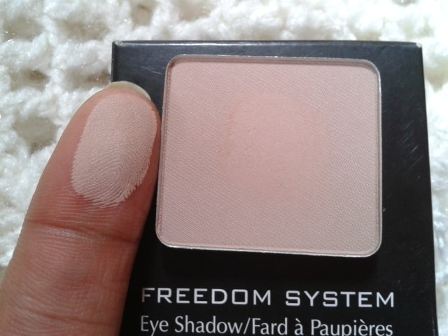 Inglot-Freedom-System-Eye-Shadow-390-Matte-Swatch