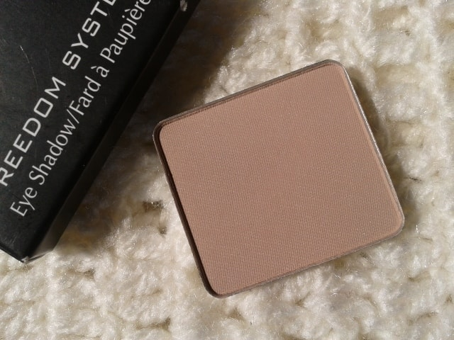 Inglot-Freedom-System-Eye-Shadow-390Matte-Review