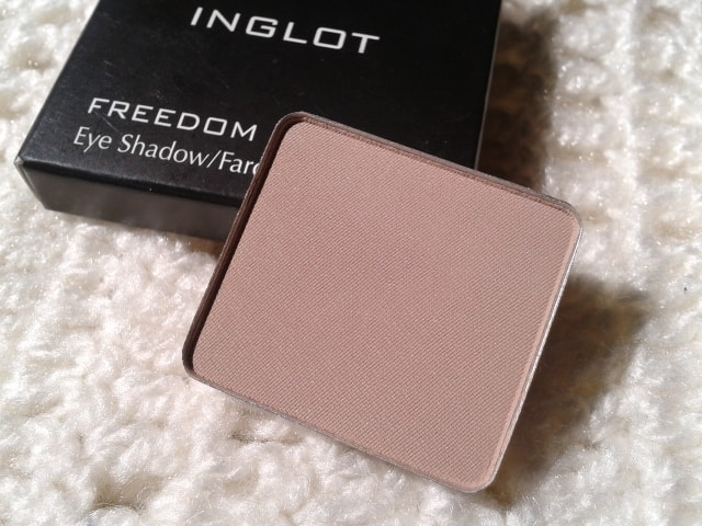Inglot-Freedom-System-EyeShadow-390-Matte-Review
