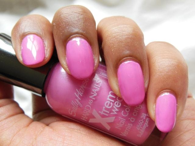 Sally Hansen Xtreme Wear Nail Color Bubblegum Pink NOTD