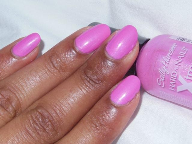 Sally Hansen Xtreme Wear Nail Color Bubblegum Pink Nail Look