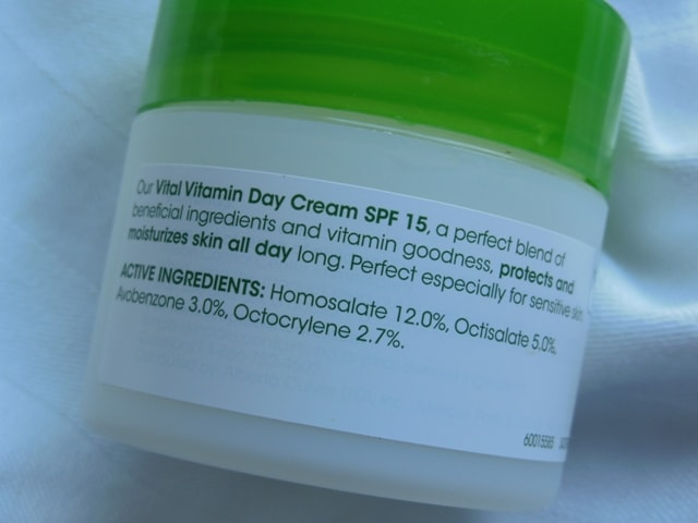 Simple Vital Vitamin Day Cream Claims