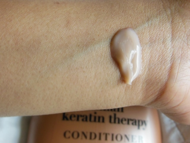 Organix Brazilian Keratin Therapy Conditioner Swatch