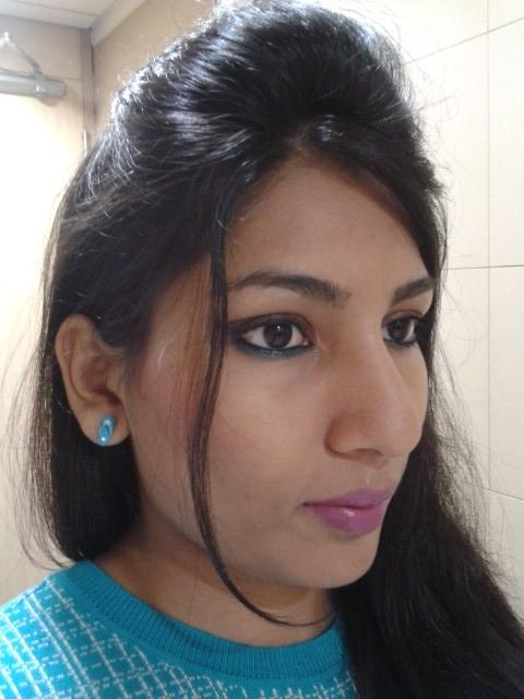 Revlon Super Lustrous Creme Lipstick-Berry Haute Look