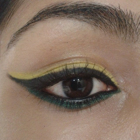 Dual Colored Winged Eye Liner Look